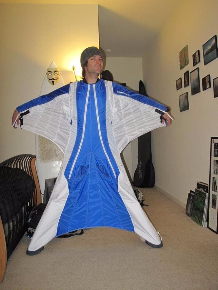 Phoenix Phantom 2 Wingsuit.  5 total jumps - PERFECT condition.