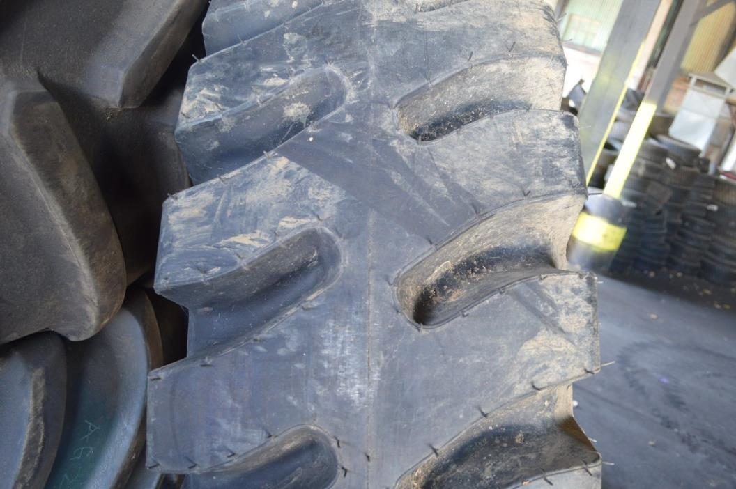 18.00-33 TIRE BLEMISHED E-4 32PLY