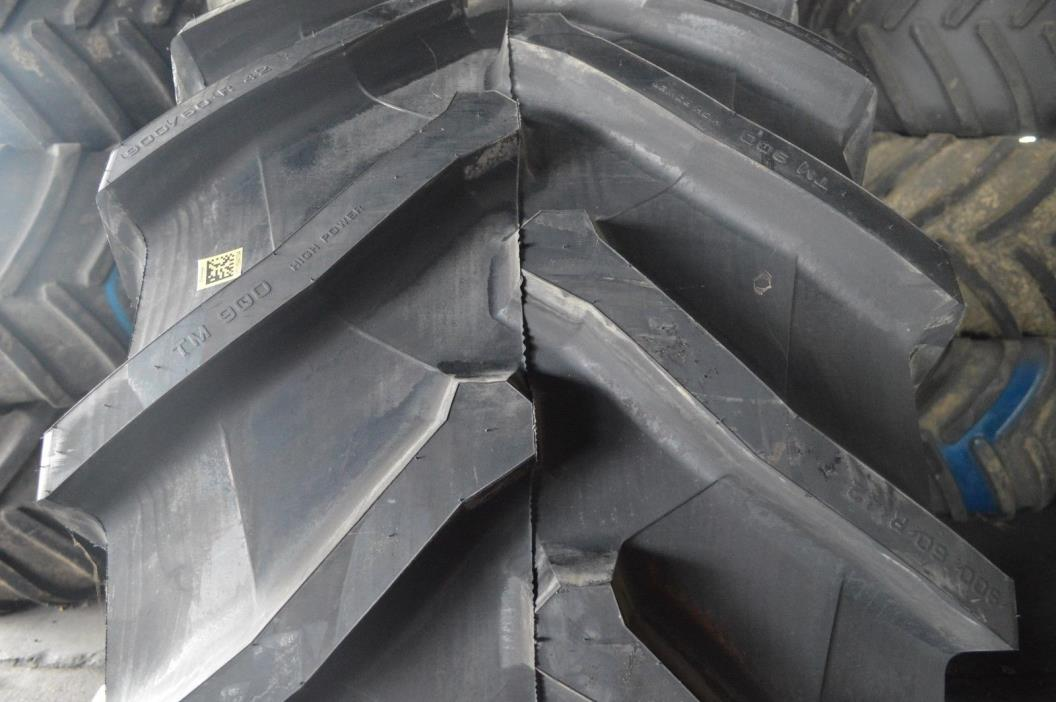 900/60R42 TIRE BLEMISHED R1-W TRACTOR
