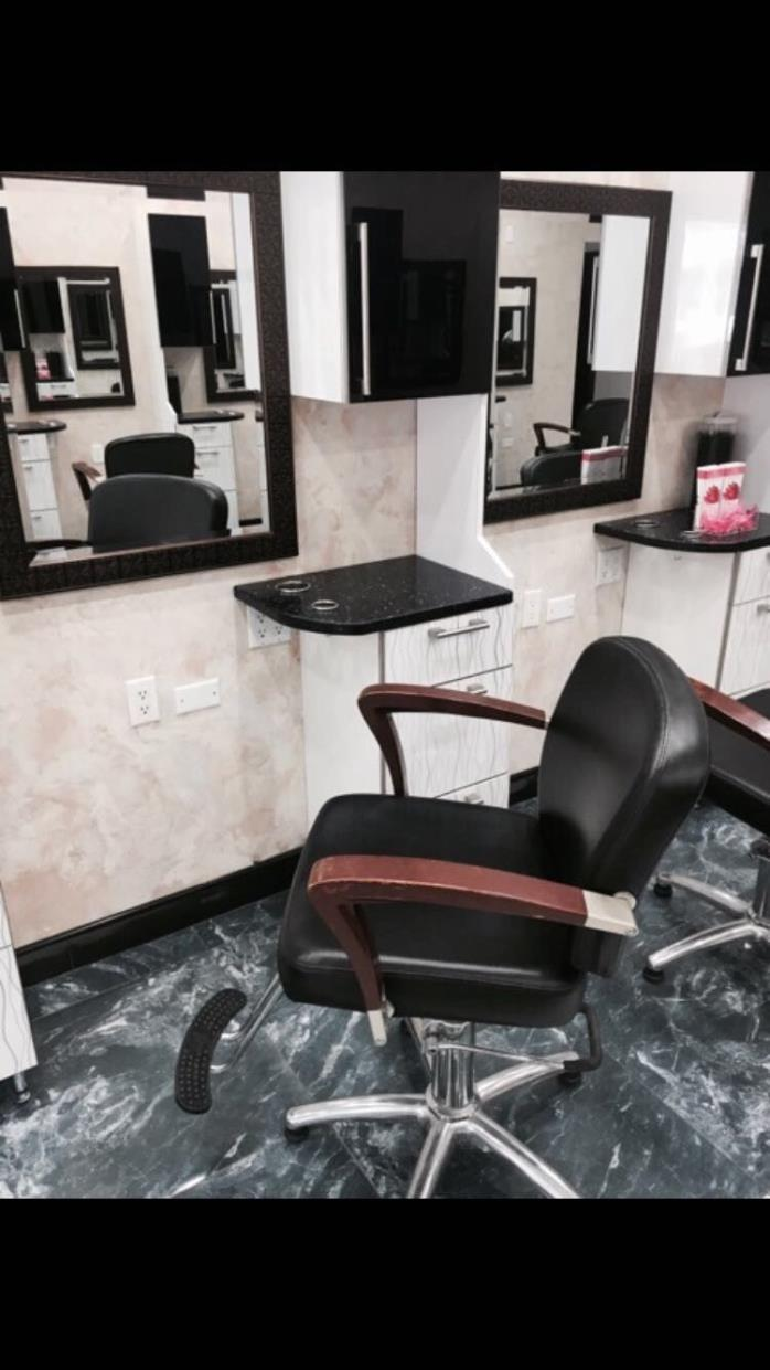 Used salon chair for sale classifieds for Used salon stations for sale