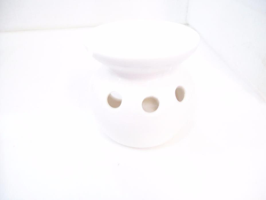 Elegant Expressions White Oil Warmer Fragrance Burner, Free Shipping D10