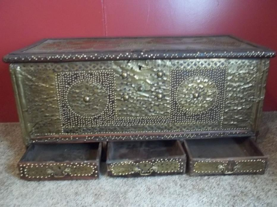 ANTIQUE OMANI MARRAIGE CHEST (DOWRY CHEST) TRUNK