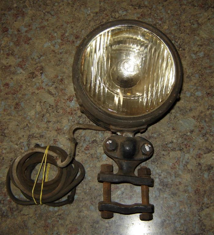 Fire Truck Hose Bed Light,  KD Lamp Co. Model 700,  Complete Light with Mounts
