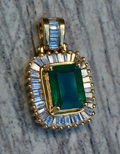 Effy BH 14K Yellow Gold 1.40 ctw Emerald and 0.55 ctw baguette diamonds 3.4g