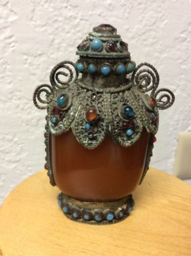 Beautiful 19th Century Chinese Agate Silver Snuff Bottle