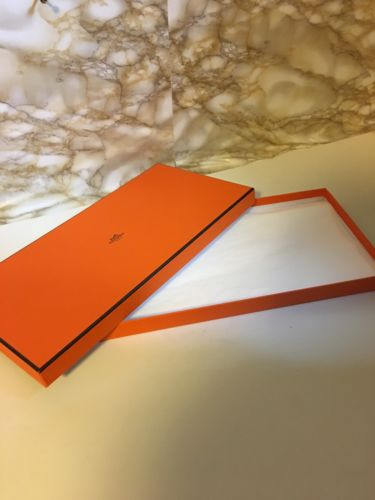 HERMES *Empty* Scarf Box With Paper