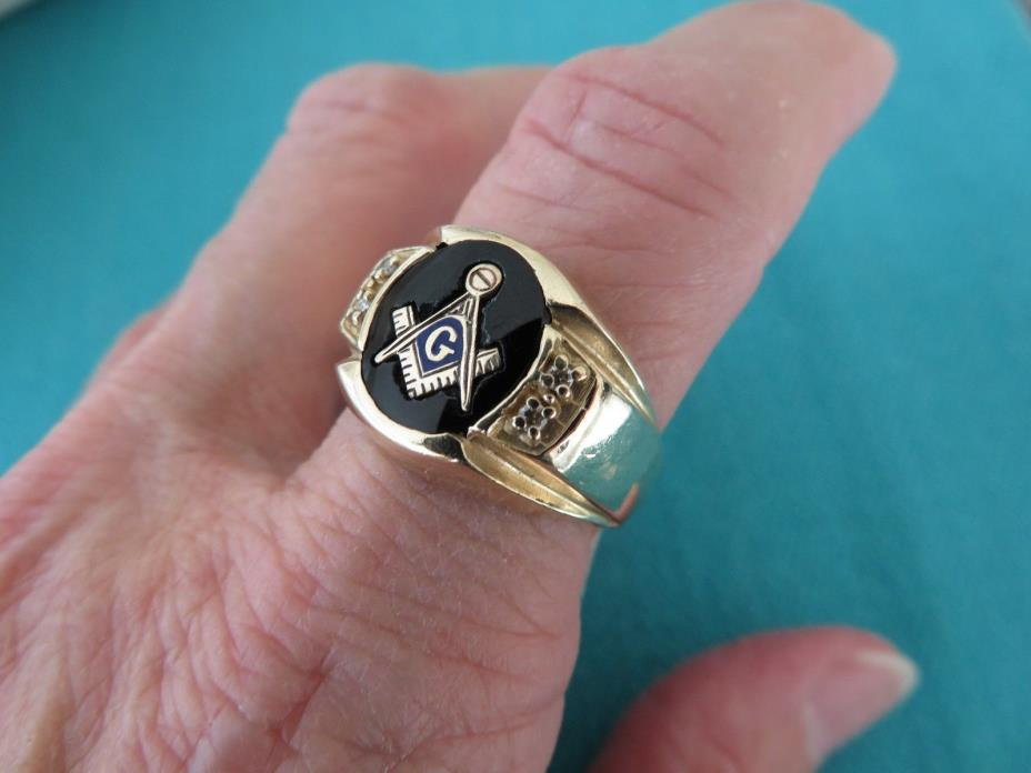 VINTAGE MAN'S 10K GOLD MASONIC BLACK ONYX & DIAMOND RING SZ 9 3/4
