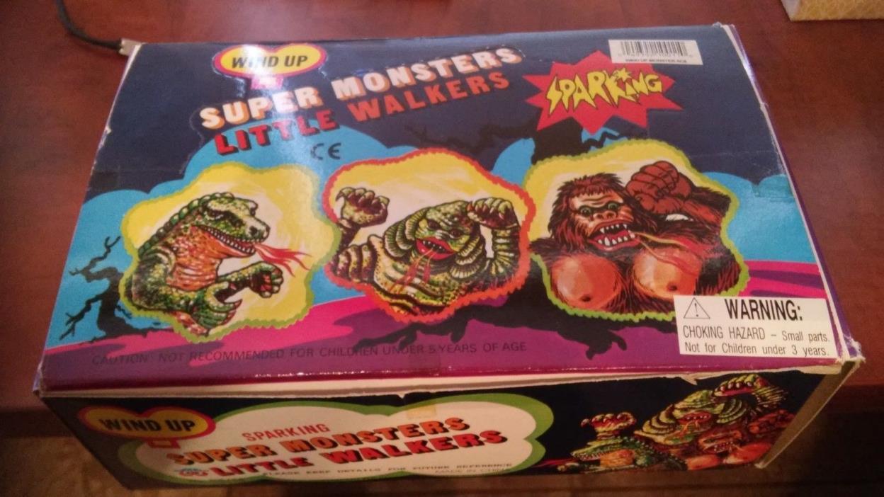 SET OF 12 SPARKING SUPER MONSTERS: GODZILLA CREATURE KING KONG  & NEAR MINT BOX