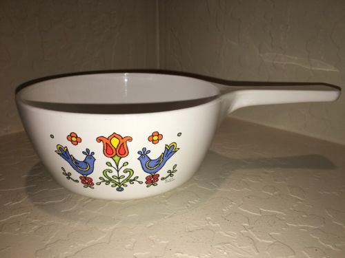 Corning Ware Country Festival Handled Sauce Pan  P-82-B 1.5 Pint 1975