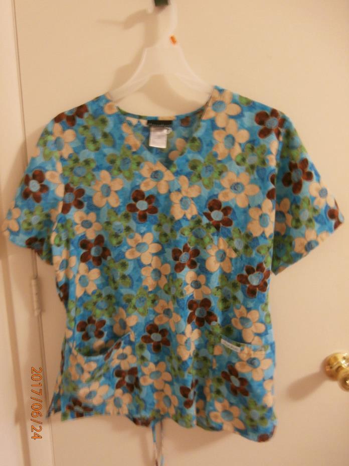 WOMAN'S CHEROKEE SCRUB SCRUBS TOP SHIRT SIZE LARGE BLUE GREEN FLOWERS