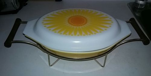 Daisy Oval Divided Serving Dish with Candlewarmer with original box