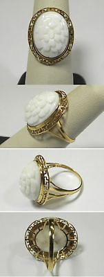 C748 Vintage 14K Solid Yellow Gold Carved White Shell Flower Ring, Size 7