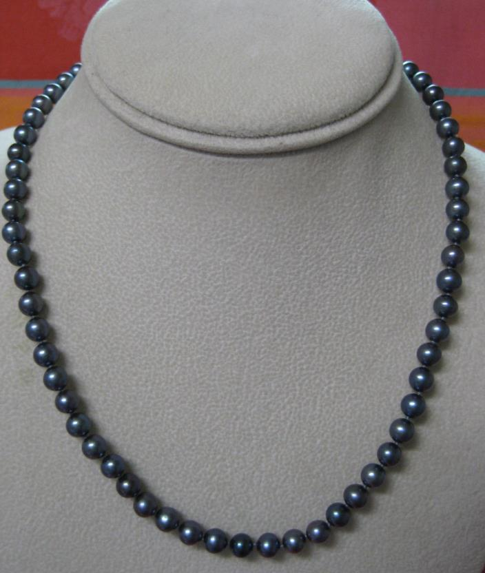 "18"" hand-knotted strand 6mm Tahitian black pearl necklace w/fine 14k gold clasp"