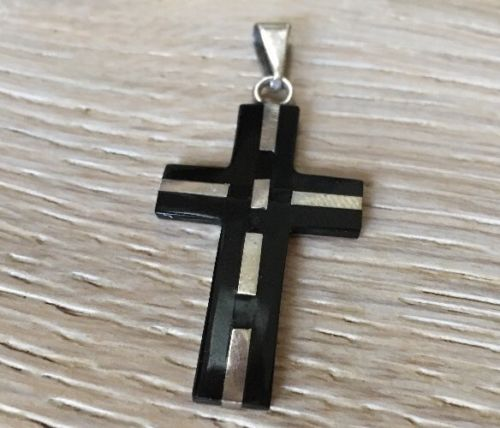 VINTAGE ONYX INLAID IN STERLING LARGE CROSS
