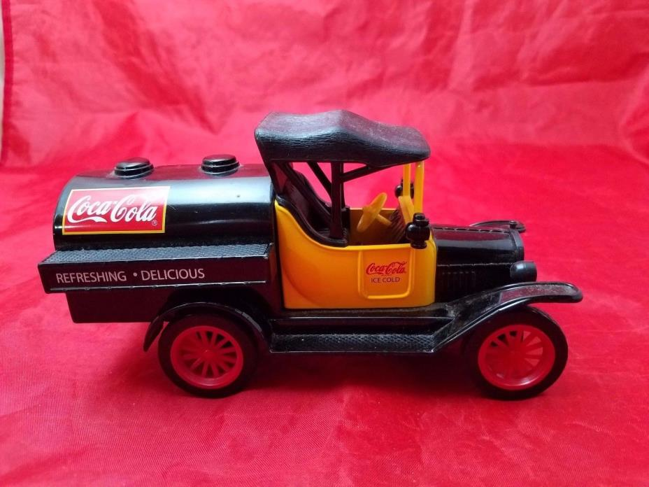 Gearbox Diecast Model Coca Cola Bank  1918 Runabout Truck Black/Yellow