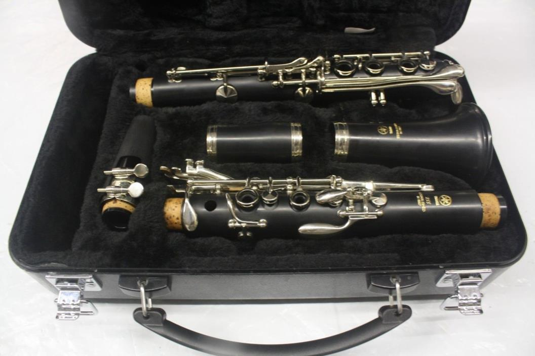 Yamaha YCL-255 Student Clarinet, Black, (Lightly used), Excellent condition!!