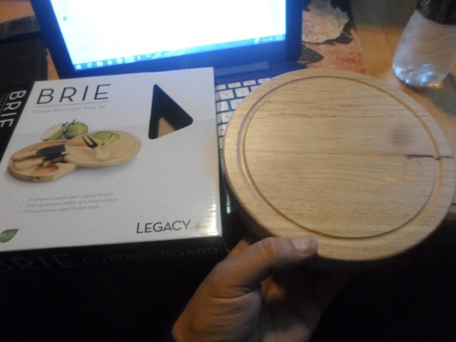 Legacy Brie Cheese Board and Tools New in Box