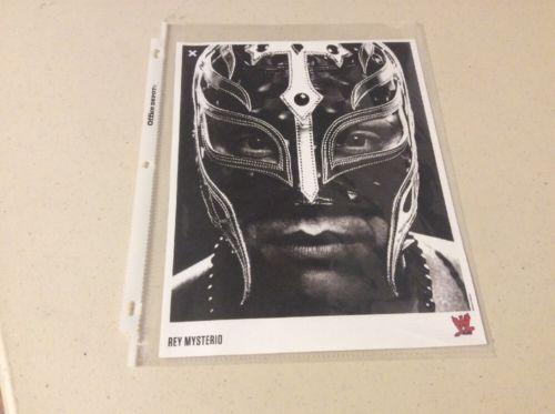WWE Rey Mysterio 8 X 10 Photo