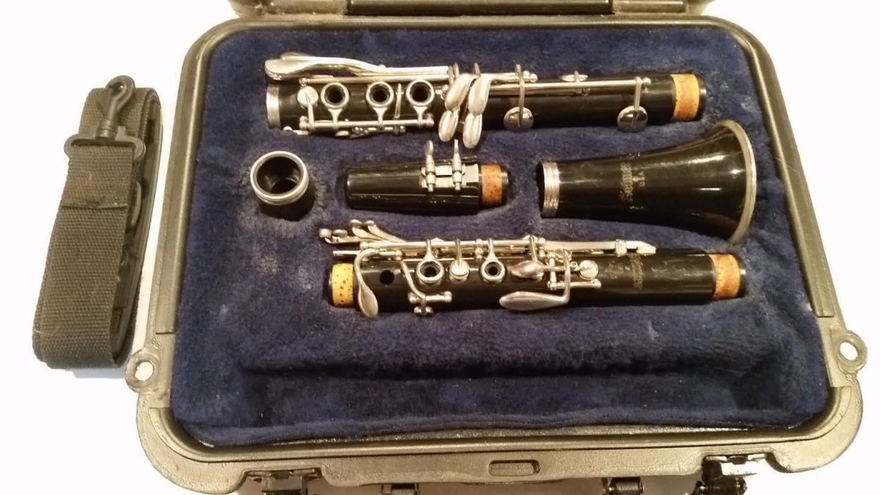 Selmer 1401 Bb Clarinet - Well Cared For! Serviced! Good playing condition!