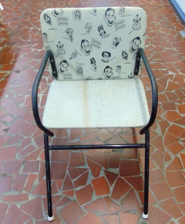 Vintage 1950s Howdy Doody Childs Chair/Desk-Table