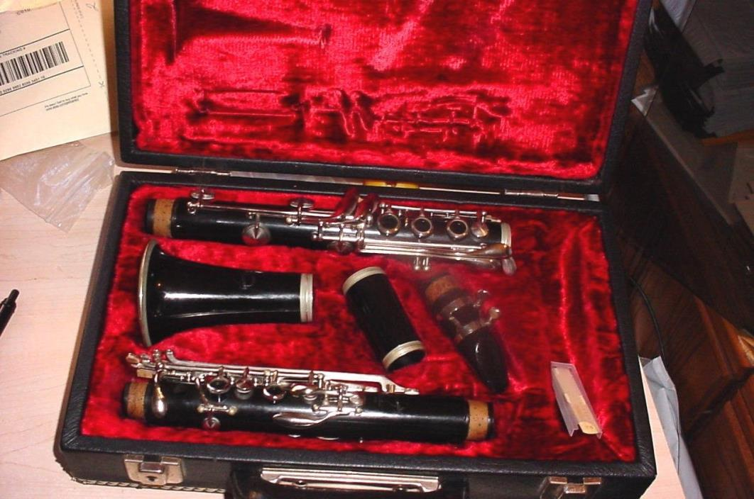 CLARINET Student NORMANDY RESOTONE USA in Case