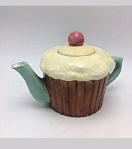 Lillian Vernon Cupcake Teapot Ceramic Cream Icing Cherry On Top 6