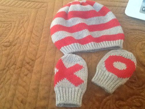 baby gap 3 piece hat and mitt set size 0-6 months EUC