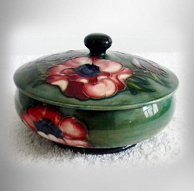Moorcroft vintage art pottery bowl with lid and bright flowers - FREE SHIPPING