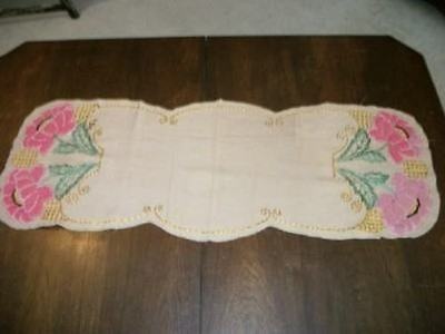 RARE VICTORIAN ANTIQUE PUNCH NEEDLE CHIC SILK FRENCH KNOT FLORAL RUNNER SHABBY
