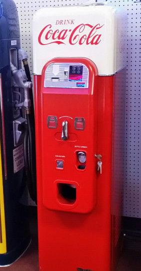 Coca-Cola Vendo 44 Soda Vending Machine Wurlitzer Vendo W64 NOS