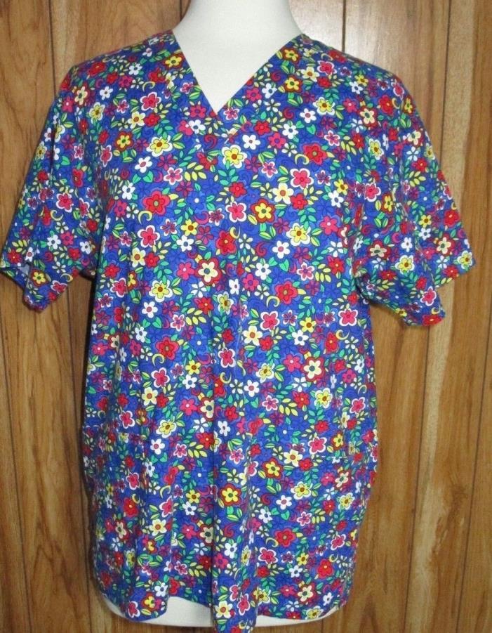 Peaches Uniforms Scrub Top  Size Medium Floral Pockets (S1-10)