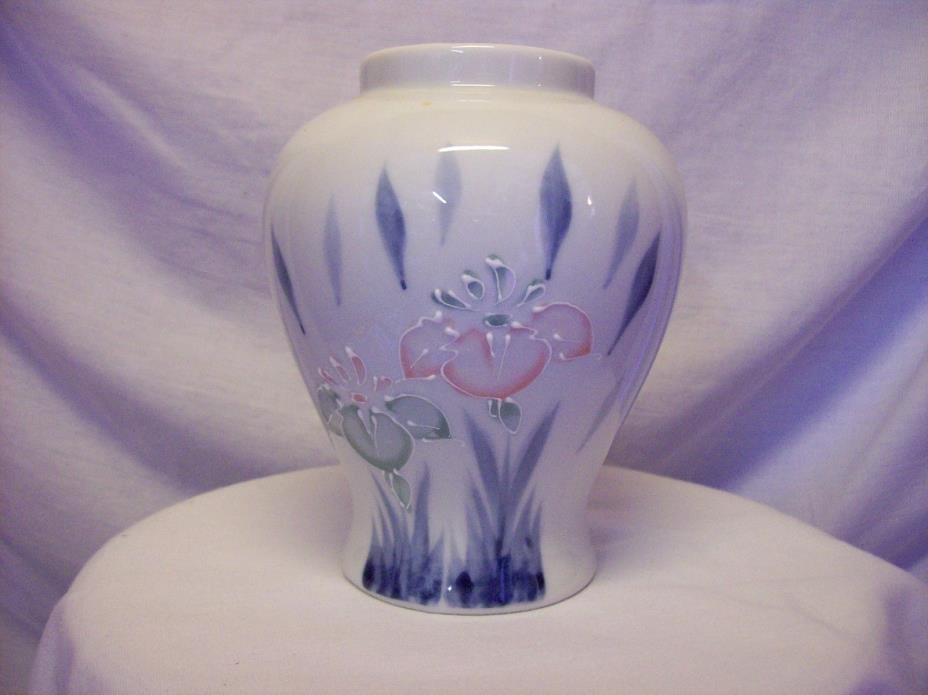 Porcelain or Enamel Floral Moriage Vase