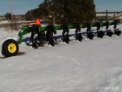 2007 John Deere 3710 Plows