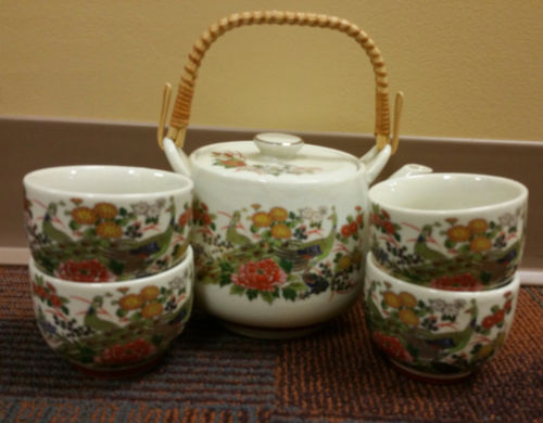 Vintage Asian Teapot with Cups