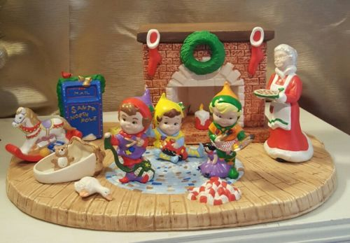 Vintage Ceramic Handpainted Fireplace 1987 Class A Mold CHRISTMAS SCENE Warmer