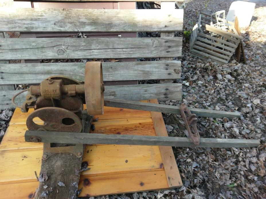 RARE Old Antique worm gear PUMP JACK no 17.cast iron 3uji stamped WATER WELL