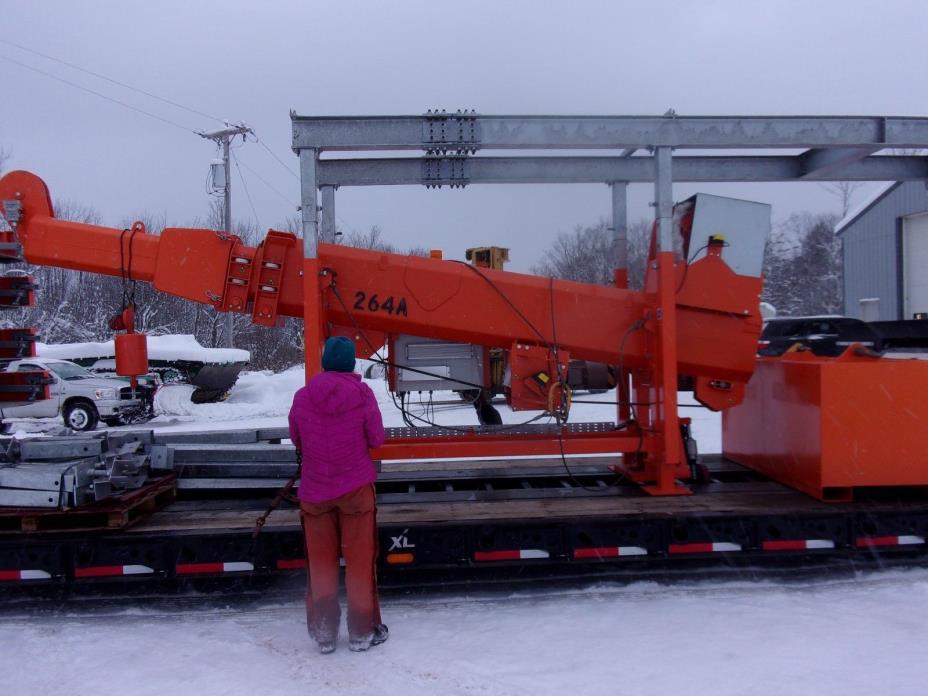 New Vertilift Loadfast 350' tower / building crane , 4 roll out platforms