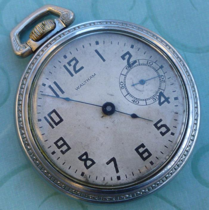 Vintage Waltham 18 Size 15 Jewel Pocket Watch / Works Great