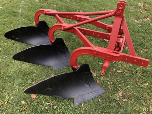 3 point Hitch 3 Bottom Massey Ferguson Model 72 - REAL NICE!!!