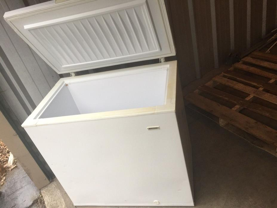Igloo 9 Cubic Foot Chest Freezer Used Deep Freeze for Hunting fishing