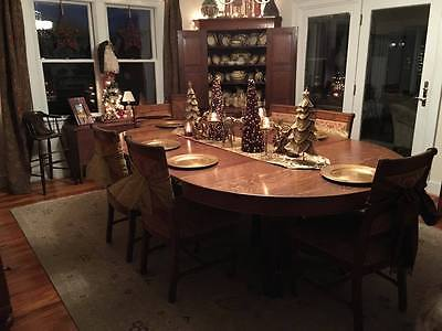 Antique Large Quarter-Sawn Tiger Oak Claw Foot Dining Table, 5 leaves 60