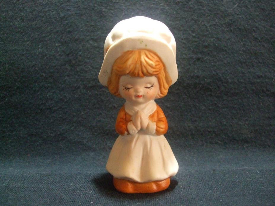 VINTAGE UNMARKED PORCELAIN THANKSGIVING PILGRIM GIRL KNEELING PRAYING FIGURINE