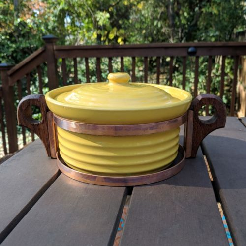 Bauer Pottery Ring Ware 7in Yellow Casserole Cooper Rack vintage 1930s bake sm