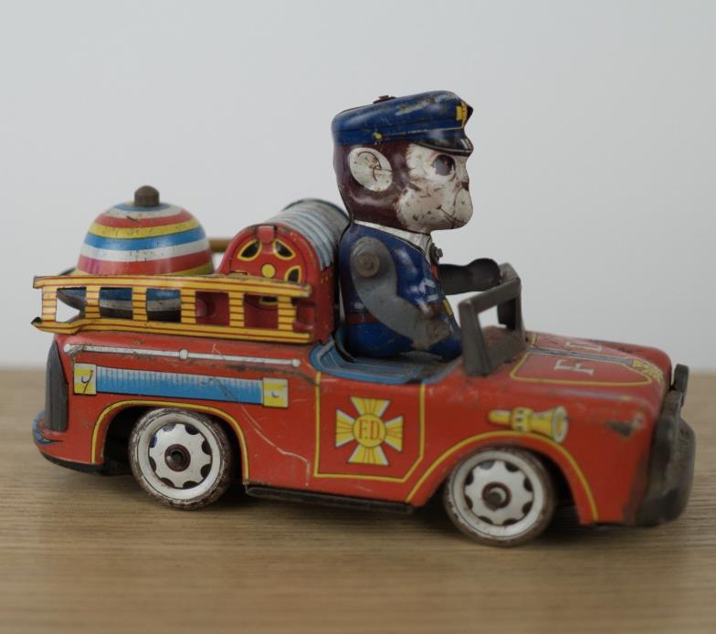 Haji VINTAGE 1950's TIN FIRE TRUCK FRICTION Monkey bell