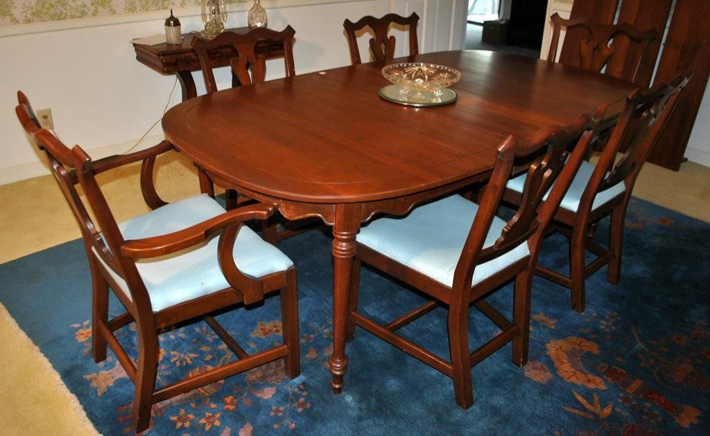 Tell City Cherry Dining Room Table w/4 Leaves & 6 Upholstered Fiddle-back Chairs