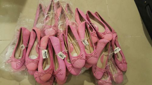 23 Wholesale Girls Pink flat shoes with sparkles in sizes 3 & 4  Ruum