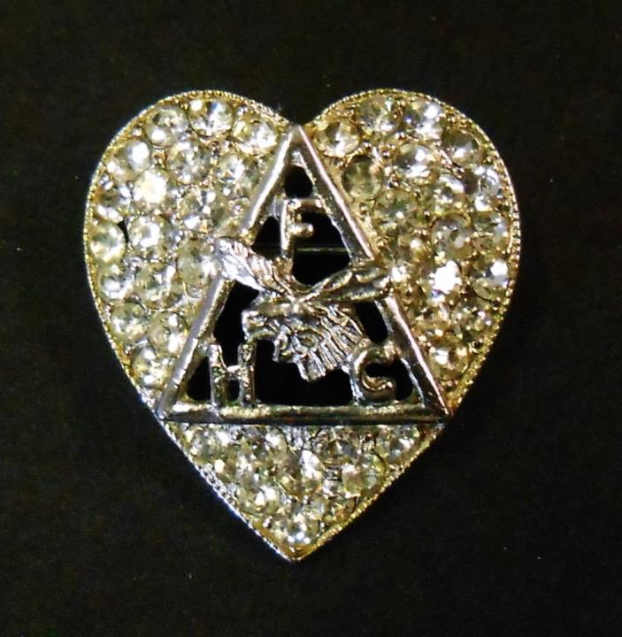VINTAGE FRATERNAL ORDER OF MOOSE RHINESTONE HEART FHC BROOCH MARKED ORA