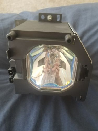 NIB - Replacement projector lamp / RM309 / KC577AA37 / UX21516