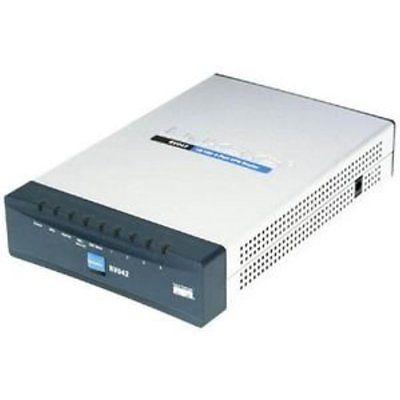 Routers Cisco RV042 4-port 10/100 VPN Router Dual WAN
