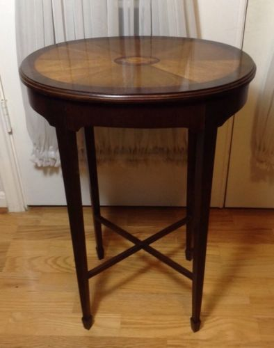 Vintage Small Wood Conch Pattern Combination Oval Side End Table Or Stand